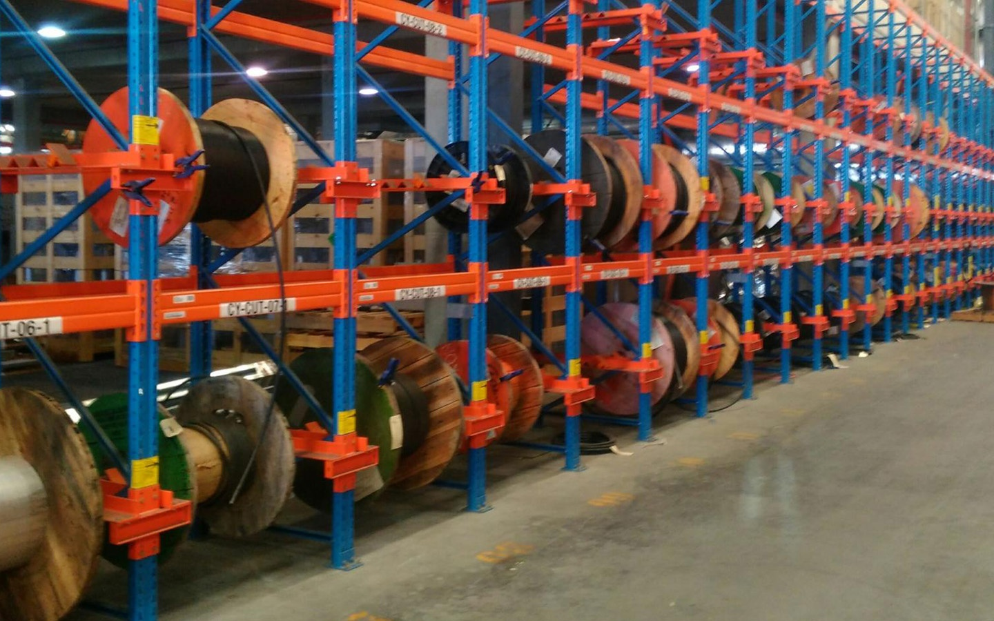 Narrow Aisle Racking with Cables